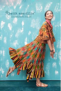 batik amarillis's all you need is love skirt