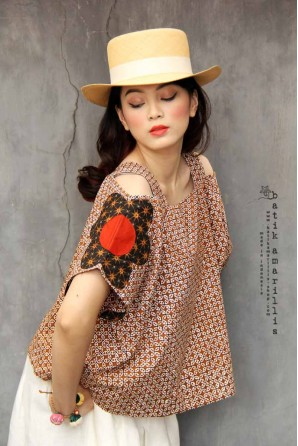batik amarillis's double breezy top-PO