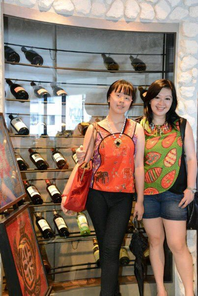 Vio & her doughter wear batik amarillis garden & project a  blouse