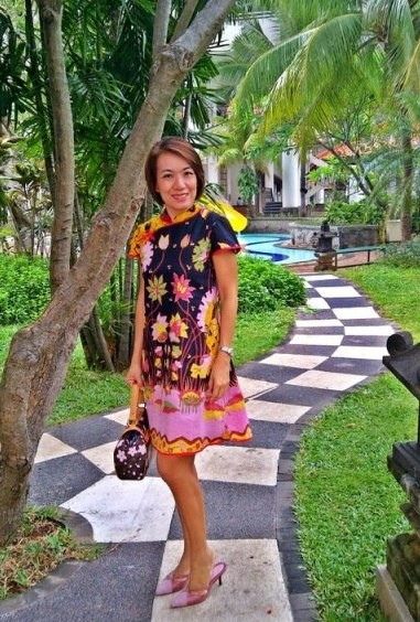Sandra wears batik amarillis's joyluck dress