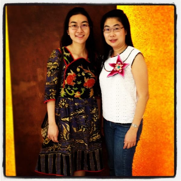 Siaw Huei & Fungniwati wears batik amarillis project  a dress & sweet blouse