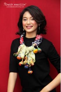 batik amarillis's signatured lollies shawl