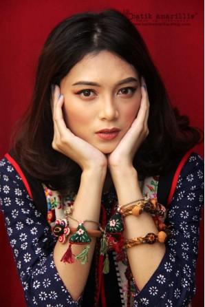 batik amarillis arcana bracelet