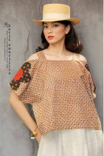 batik amarillis's double breezy top